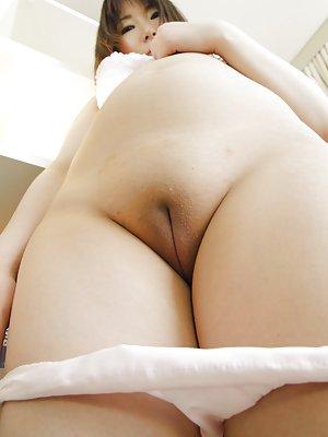 hot lesbian threesome sex